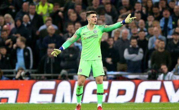 Chelsea, con gol de Higuaín, derrotó a Fulham en el clásico
