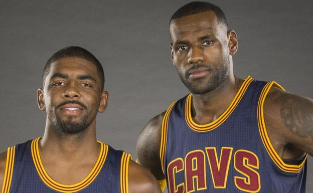 Kyrie Irving y LeBron James/