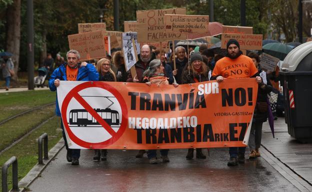 Protesta y manifestacion de la Plataforma Tranvia Sur No./Rafa Gutiérrez