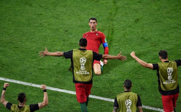 Cristiano, el cuarto en la historia que anota en cuatro mundiales