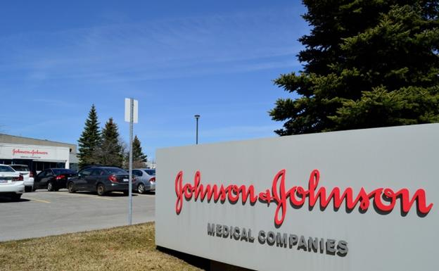 Johnson & Johnson condenada a pagar 4.000 millones por casos de cáncer