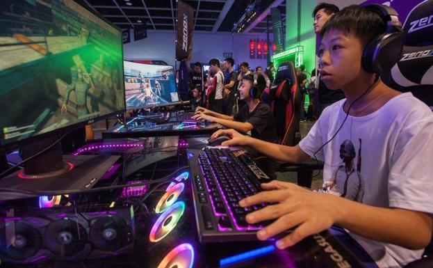 China limita los videojuegos para luchar