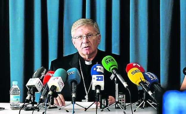 El Vaticano suspende a un cura por abusos en escuela en España