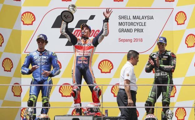 Valentino Rossi no ocultó su tristeza por la caída en Malasia — MotoGP