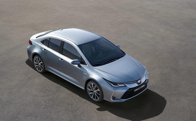 También llega a España — Toyota Corolla Sedán