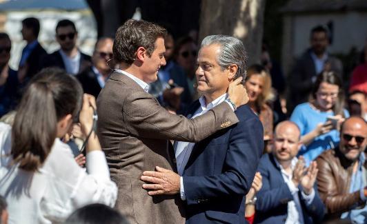 España autoriza el ingreso de migrantes