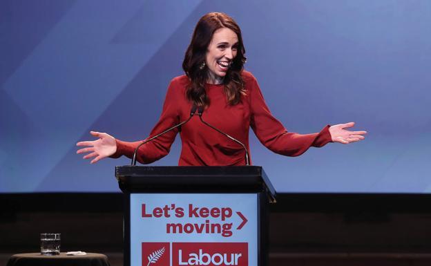 Jacinda Ardern consigue una aplastante e histórica victoria en Nueva Zelanda