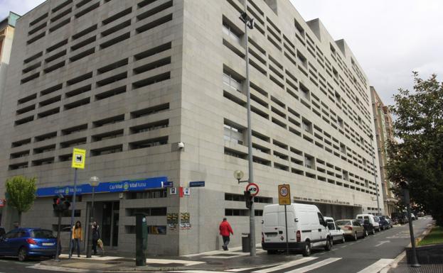 Fitch mantiene en notable alto la solvencia de la for Oficinas hacienda bizkaia