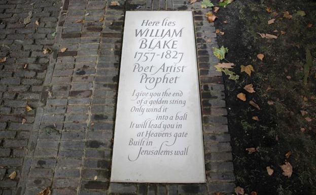 Nueva lápida en el lugar donde reposan los restos del poeta y pintor William Blake./Daniel Leal-Olivas (Afp)