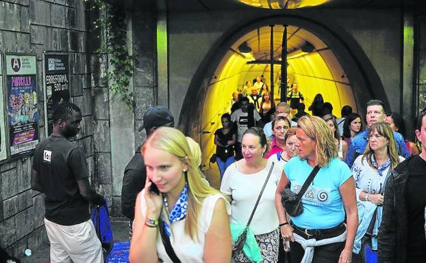 Metro Bilbao funcionará las 24 horas durante todas las fiestas. c54a8b58ef05b