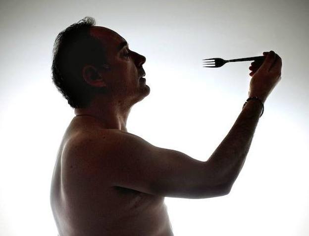 Ferran Adrià, en un singular posado./Vicens Giménez