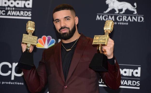 Drake triunfa en los premios Billboard Music Awards con 12 galardones   El  Correo