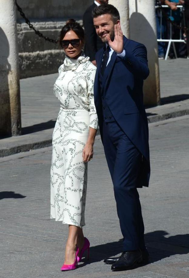 c43ec29729 Han dicho de ella que se ha pasado el protocolo por el mismísimo  Girdaldillo, al ser la única mujer en llevar gafas de sol (algo que no está  bien visto en ...