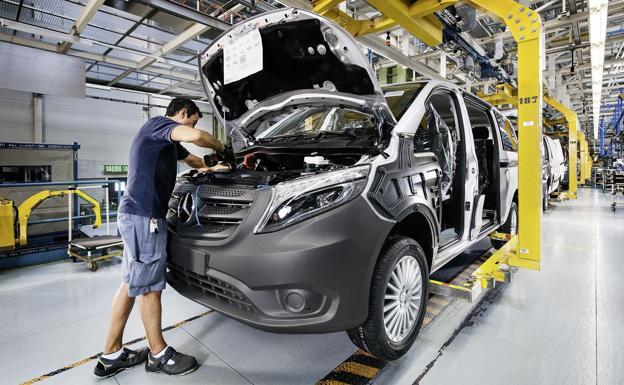 Mercedes recortará 100 millones en gastos de personal en la división de furgonetas - El Correo