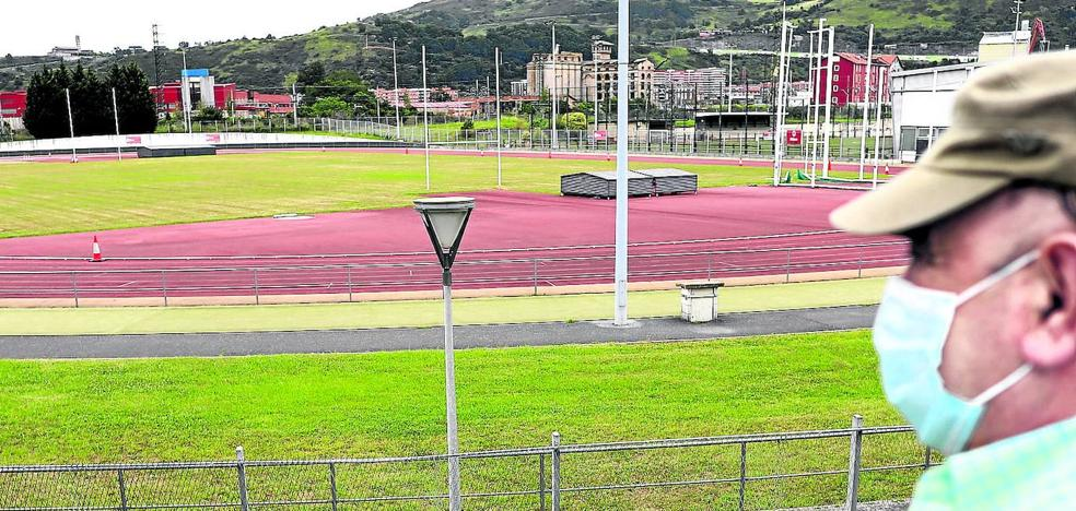 Three months of works to update the only athletics track in Bilbao