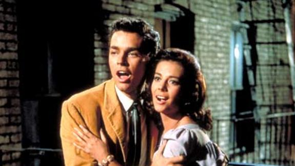 Richard Beymer y Nathalie Wood, en 'West Side Story'./